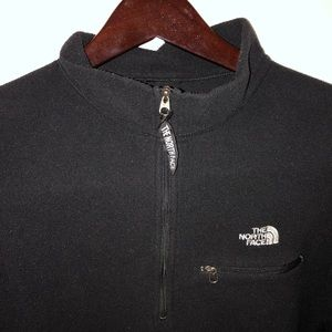 North face fleece pullover with the zipper.